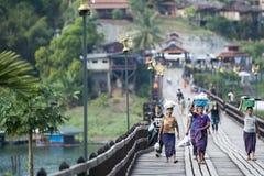 THAILAND KANCHANABURI SANGKHLABURI TRÄBRO Fotografering för Bildbyråer