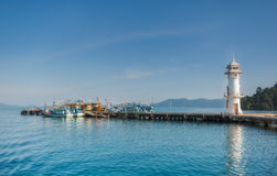 thailand Ko Chang Vuurtoren bij de overzeese pijler op Ko Chang royalty-vrije stock afbeeldingen