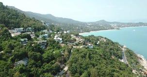 Thailand, Koh Samui Aerial View an der Insel und an der Küste mit Häusern stock footage