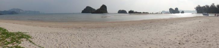 Thailand Krabi, Nopparat Thara strand Arkivbilder