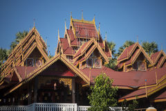 THAILAND LAMPANG WAT SRI RONG MUANG TEMPEL Royaltyfria Bilder