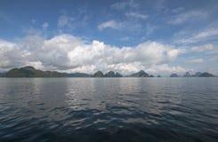 thailand Mountain View nell'oceano, il percorso dell'avatar fotografie stock libere da diritti