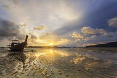 Thailand natursoluppgång på stranden Royaltyfria Foton