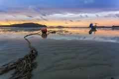 Thailand natursoluppgång på stranden Royaltyfri Bild
