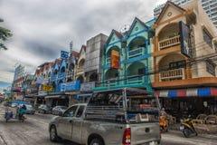 Thailand Pattaya, 25,06,2017 gator av Pattaya med ett enormt numeriskt Royaltyfria Foton