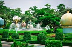 Thailand Pattaya, parkerar av slotten av den fega konungen Bong, Sukhavati royaltyfria foton
