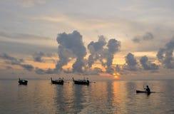 Thailand. Phi Phi eiland. Magisch zonsopganglandschap stock foto's