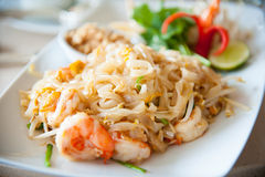 Stir-fried rice noodles with egg, vegetable and shrimp (Pad Thai) Stock Photos