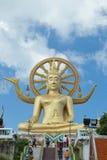 Thailand, Samui - November 12, 2014: Grote Boedha in de tempel Royalty-vrije Stock Fotografie