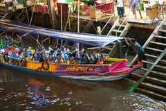 Thailand,Samut songkhram,30 Dec 2017,hired boat for travel night. Sihgt seeing along river on floating market named Amphawa Stock Photo