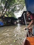 Thailand-sich hin- und herbewegender Markt stockbild