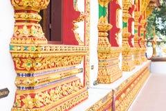 Thailand streift Kunst auf niedrigem Mustertempel Lizenzfreie Stockbilder