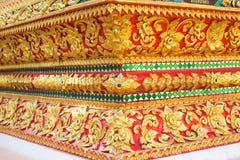Thailand streift Kunst auf niedrigem Mustertempel Stockfoto