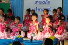 Thailand-Studenten Kultur-Tanz Lizenzfreies Stockbild