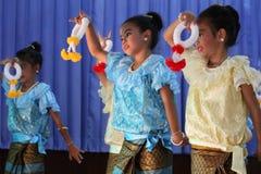 Thailand-Studenten Kultur-Tanz Lizenzfreie Stockfotos