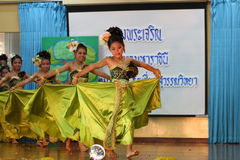 Thailand-Studenten Kultur-Tanz Lizenzfreie Stockfotografie