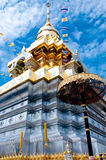 Thailand tempel och Bluesky Royaltyfri Fotografi