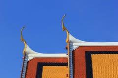 Thailand tempeltak i Wat Phra Kaew Arkivfoto