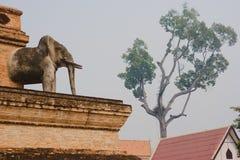 Thailand traditionella Buddhaskulpturer, Chiang Mai Royaltyfria Bilder