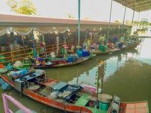 Thailand vattenmarknad i en Ayutthaya royaltyfria foton