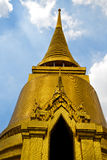 thailand w Bangkok deszczu religii świątynnej abstrakcjonistycznej mozaice Obrazy Stock