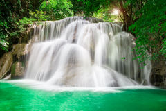 Thailand-Wasserfall in Kanchanaburi Lizenzfreie Stockbilder