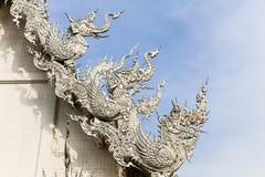Thailändische Kunst am weißen Tempel Stockfotografie