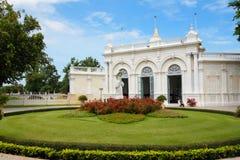 Thailändsk kunglig uppehåll på smällen PA-i Royal Palace Arkivfoton