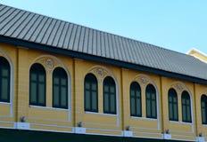 Thailändsk stiltappningbyggnad - Bangkok, Thailand Fotografering för Bildbyråer