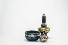 Thais aardewerk en een traditioneel vijf gekleurd Thais porselein Royalty-vrije Stock Afbeeldingen
