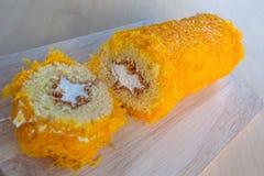 Thais die Cakesnoepje van eierdooier wordt gemaakt Stock Foto's