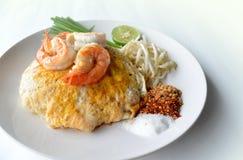 Thais Fried Noodle met Garnaal Stock Foto