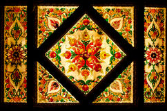 Thais kunst decoratief plafond bij de tempel van Thailand. Royalty-vrije Stock Foto's