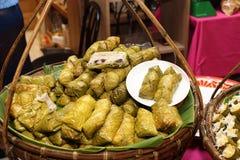 Thais Lokaal Voedsel in Roestvrije Plaat voor Buffetcatering royalty-vrije stock afbeelding