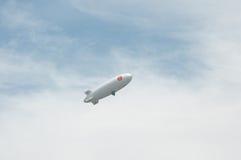Thais luchtschip in hemel stock afbeeldingen