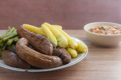 Thais Spaanse peperdeeg en gebleekte groenten Stock Foto