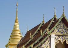 Thais traditioneel decoratiedak van de tempel Royalty-vrije Stock Foto's
