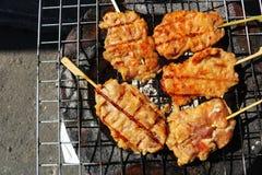 Thais Traditioneel Voedsel, geroosterd varkensvlees met zoete en zoute saus Stock Afbeelding