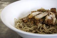 Thais voedsel, die knapperige noedel sissen Royalty-vrije Stock Afbeeldingen