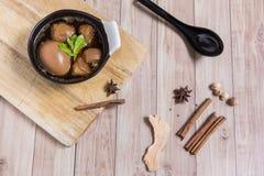 Thais Voedsel: Ei met varkensvlees dat en tofu wordt gestoofd Stock Foto