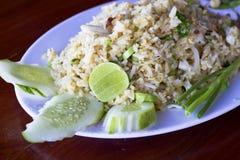 Thais voedsel, gebraden rijst Stock Afbeeldingen
