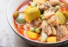 Thais voedsel - kerriekip met pompoen Stock Foto