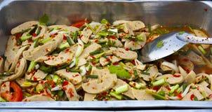 Thais Voedsel; Moo Yor van de yam Stock Foto's