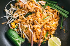 Thais voedsel - Padthai heet in pan Royalty-vrije Stock Foto