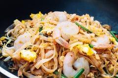Thais voedsel - Padthai heet in pan Stock Foto