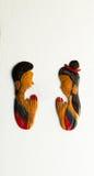 Thais vrouw en man beeldhouwwerk die eerbied, Thaise vraag betalen Royalty-vrije Stock Foto