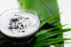 Thais zwart rijstdessert in kokosmelk Stock Foto