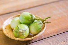 Thaise aubergine op mand Royalty-vrije Stock Fotografie