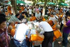 Thaise Boeddhistische ordeningsceremonie Stock Foto's