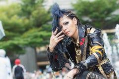Thaise cosplayers kleden zich als karakters van beeldverhaal en spel in festa van Japan in Bangkok Stock Fotografie